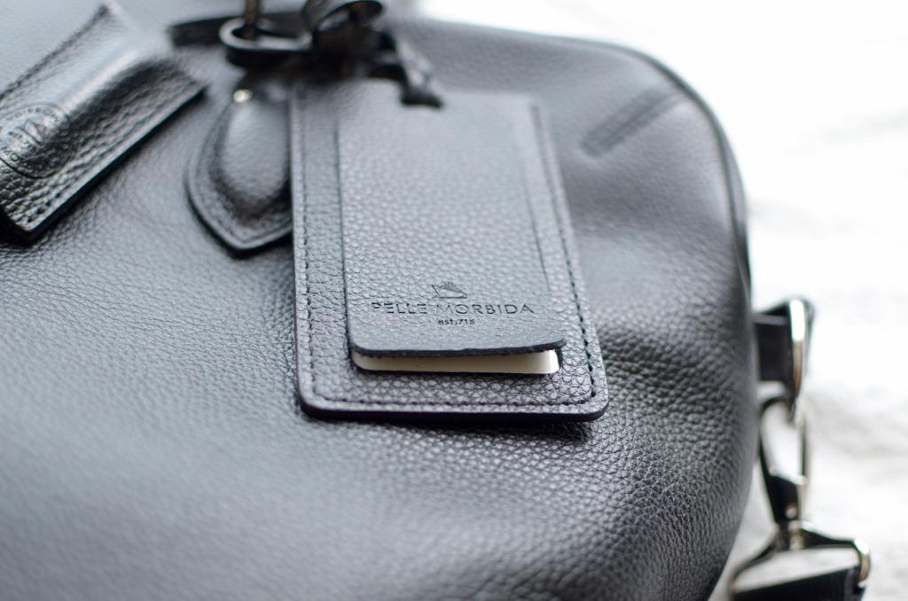 ペッレ モルビダのビジネスバッグ
